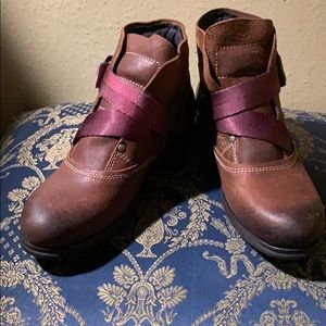 NWT Fly London Leather Boots